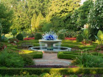 Water fountain at the Atlanta Botanical Garden by Piedmont Park